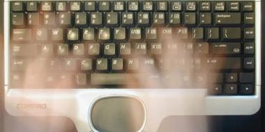تایپ ارواح کیبورد معروف (Ghost Keyboard Typing)