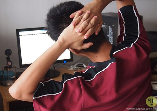 نکاتی که حین نشستن پشت کامپیوتر باید به آن توجه کنیم؟