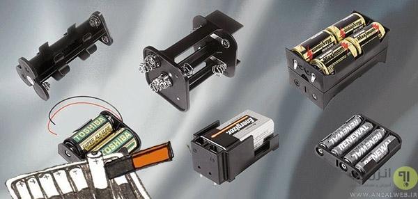 استفاده از آهنربا برای در آوردن باترهای از جای باتری