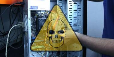 اشتباهات رایج در نگهداری از کامپیوتر 8 PC Maintenance Mistakes That Kill Your Hardware Lifespan