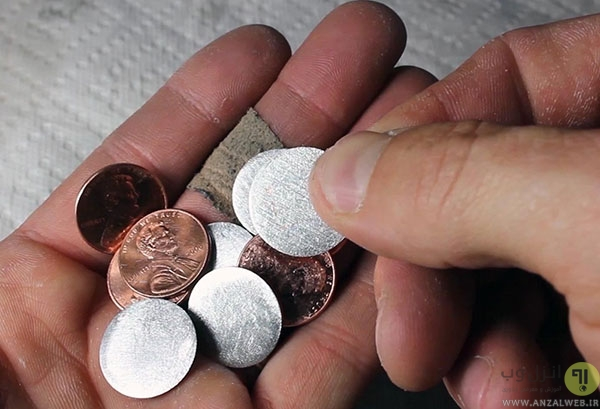 روشن کردن LED با باتری ساخته شده از سکه