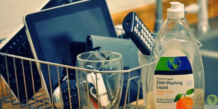 شستن و تمیز کردن وسایل و قطعات الکترونیکی