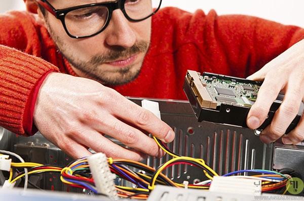 دروغ هایی که نباید به تعمیرکار کامپیوتر گفته شوند