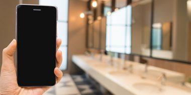 چگونه میکروب و آلودگی های خطرناکی که روی گوشی وجود دارند را پاک کنیم؟