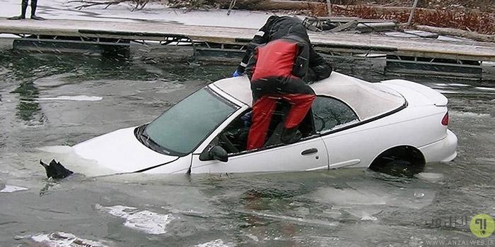 شکستن شیشه ماشین در شرایط اضطراری برای نجات خود