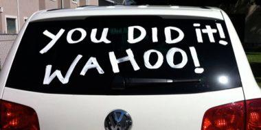 آموزش از بین بردن و پاک کردن نوشته یا لکه رنگ از روی شیشه ماشین و..