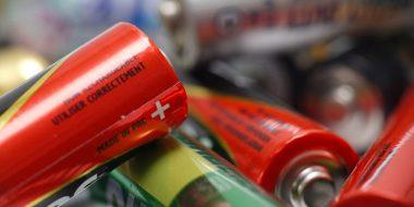 تست باتری قلمی و افزایش شارژ باتری برای استفاده مجدد آن