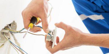 10 اشتباه خطرناک و دردسر ساز در سیم کشی برق ساختمان