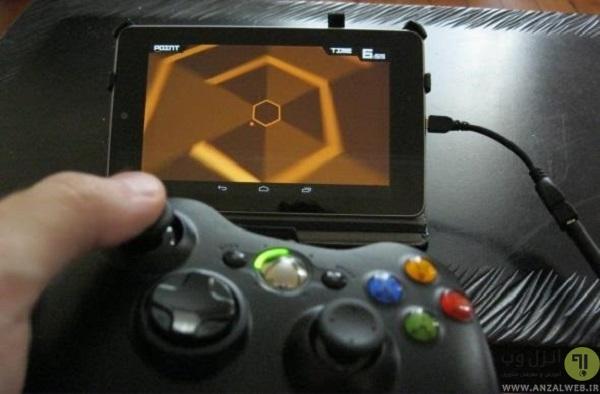 استفاده از دسته بازی در Super Hexagon
