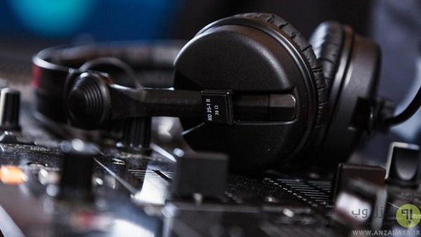نحوه استفاده از دی جی میکسر: استفاده از هدفون DJ برای میکس