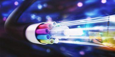 اینترنت فیبر نوری چیست؟ آشنایی با مزایا و کاربرد آن در ایران