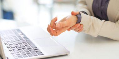 جلوگیری از مچ درد دست هنگام و بعد از کار با کامپیوتر و لپ تاپ