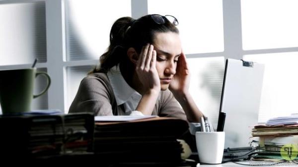 عوارض زیاد نشستن پشت کامپیوتر، افزایش اضطراب و افسردگی