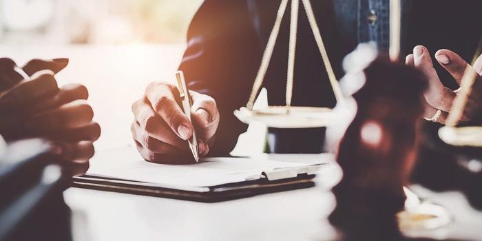 وکلا چه تعهداتی در قبال موکل خود دارند؟