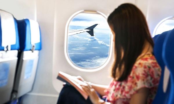 مراحل رزرو صندلی های کنار پنجره در یک هواپیما