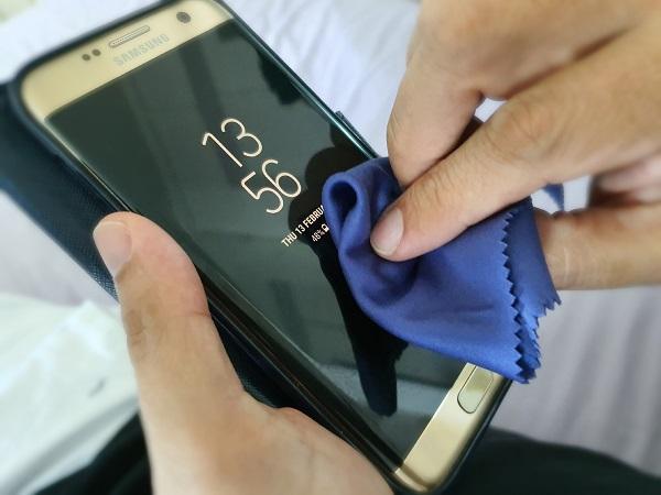 ضد عفونی گوشی موبایل