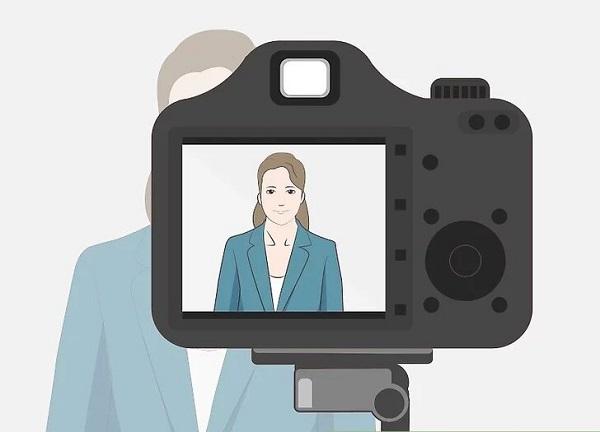 ایده عکاسی پرتره در خانه با ژست مناسب