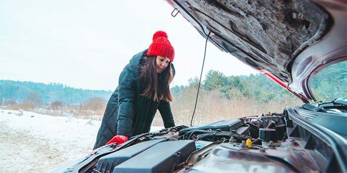 بررسی علت و 6 روش حل مشکل روشن نشدن ماشین در هوای سرد و سرما