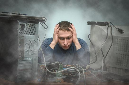 مطالعه خطرات و اثرات رعد و برق در تلویزیون ، کامپیوتر و ...