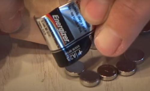 استفاده جالب از باتری های AAA