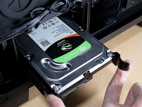 هارد دیسک 1 ترابایتی Seagate FireCuda هیبریدی مدل ST1000LX015