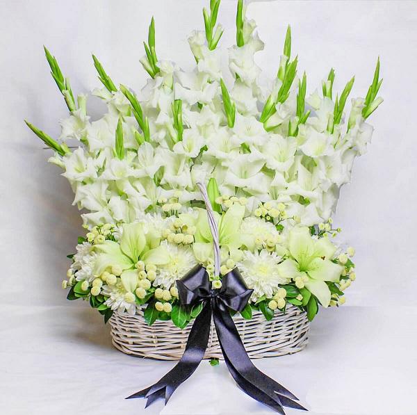 برای تسلیت مراسم ترحیم گل بخرید