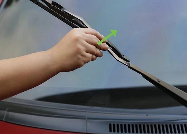 چربی گیری شیشه های داخل خودرو